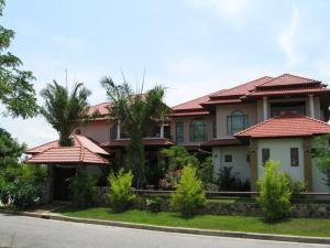 Noi's Palace Mansion