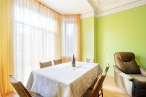 Vip-kvartira Leningradskaya 1A, Apartments  Minsk - big - 20