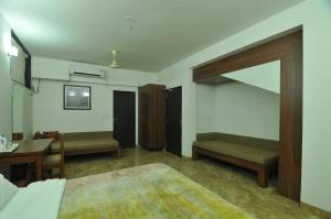 Lago villa, Bed & Breakfasts  Bhopal - big - 5
