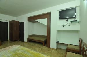 Lago villa, Bed & Breakfasts  Bhopal - big - 6