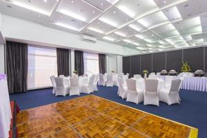 Microtel by Wyndham Mall of Asia, Hotely  Manila - big - 47