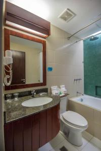 Microtel by Wyndham Mall of Asia, Hotels  Manila - big - 6
