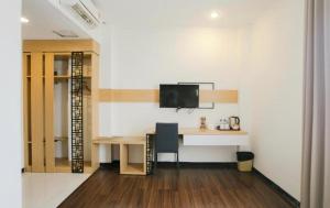 Best Hotel Kedungsari, Hotely  Surabaya - big - 11