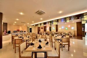 Best Hotel Kedungsari, Szállodák  Surabaya - big - 21