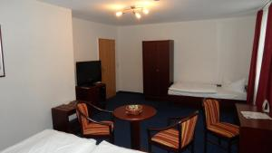 Hotel Schweriner Hof, Отели  Штральзунд - big - 17