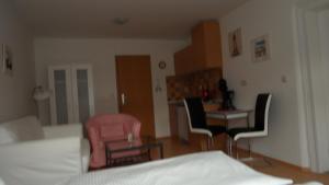 Hotel Schweriner Hof, Отели  Штральзунд - big - 7