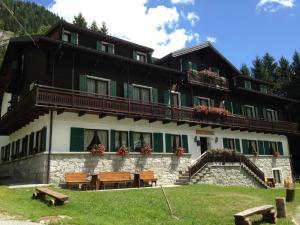 Macugnaga Hotels