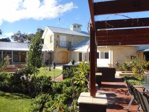 Studio 66, Country houses  Dawesville - big - 27