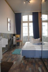 Hostel Einzelzimmer mit Gemeinschaftsbad
