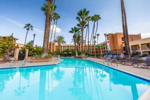Grand Legacy At The Park formerly Ramada Maingate - At The Park Anaheim