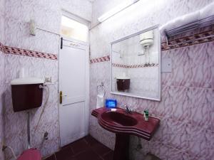 OYO 5810 near Mall Road, Hotel  Shimla - big - 8