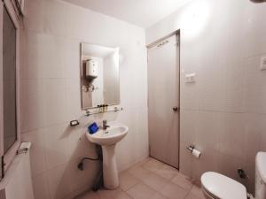 OYO 5810 near Mall Road, Hotel  Shimla - big - 9
