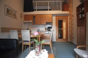 Apartment Poustevník, Apartments  Pec pod Sněžkou - big - 26