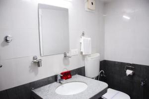 OYO 6429 Hotel Pearl, Отели  Пуне - big - 7