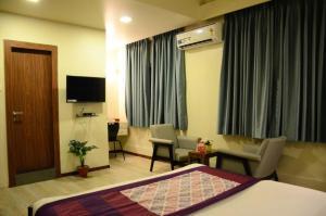 OYO 6429 Hotel Pearl, Отели  Пуне - big - 14