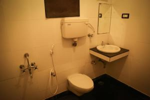 Hotel Gold inn, Lodge  Kumbakonam - big - 6