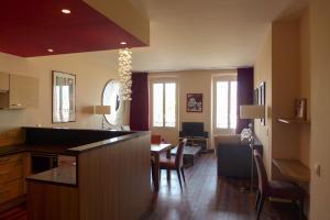Résidence La Loggia, Apartmány  Cannes - big - 36
