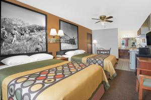 Suite with Two Queen Beds and Full Kitchen