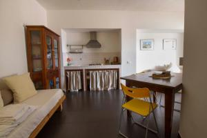 Casa Rossa, Bed & Breakfast  Monreale - big - 59