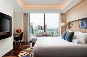 Deluxe King Room with City View (3 Adults)