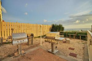 Twin Palms Beach Resort by Panhandle Getaways, Apartments  Panama City Beach - big - 26