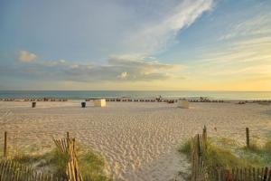 Twin Palms Beach Resort by Panhandle Getaways, Apartments  Panama City Beach - big - 22
