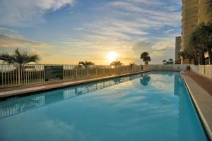Twin Palms Beach Resort by Panhandle Getaways, Apartments  Panama City Beach - big - 6