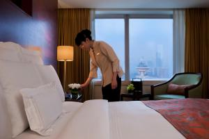 Deluxe Double or Twin Room with Shanghai Skyline View