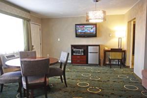 Gateway Inn and Suites, Отели  Салида - big - 41