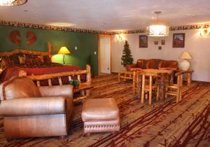 Gateway Inn and Suites, Hotel  Salida - big - 38