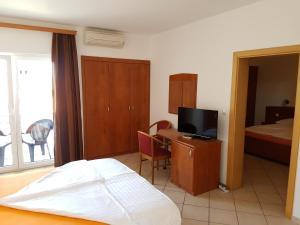 Guesthouse Villa Adria, Penziony  Malinska - big - 8