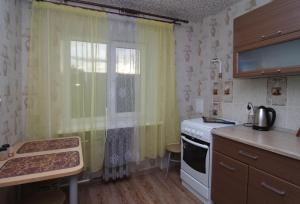 Apartment Mashinostroiteley, Ferienwohnungen  Yekaterinburg - big - 5
