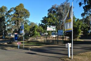 Oakridge Motel Tourist Park, Motel  Oakey - big - 65