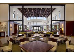 Embassy Suites Detroit Metro Airport, Hotels  Romulus - big - 12