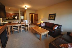 The Pines #180, Apartmány  Whitefish - big - 11