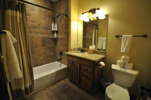The Pines #180, Apartmány  Whitefish - big - 5