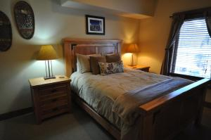 The Pines #180, Apartmány  Whitefish - big - 6