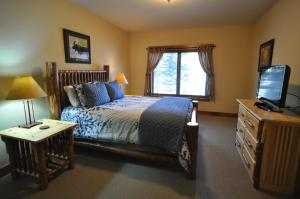 The Pines #180, Apartmány  Whitefish - big - 12