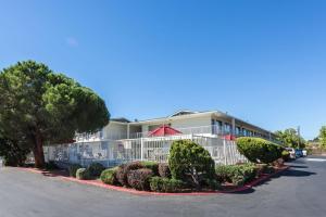 Motel 6 Reno West, Hotely  Reno - big - 44