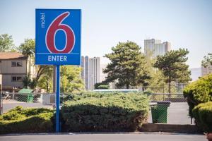 Motel 6 Reno West, Hotely  Reno - big - 42