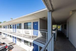Motel 6 Reno West, Hotely  Reno - big - 41