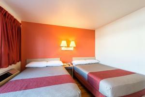 Motel 6 Reno West, Hotely  Reno - big - 7