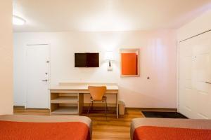 Motel 6 Reno West, Hotely  Reno - big - 8