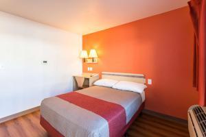 Motel 6 Reno West, Hotely  Reno - big - 10