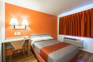 Motel 6 Reno West, Hotely  Reno - big - 11