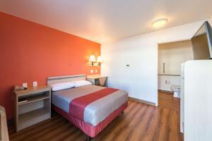 Motel 6 Reno West, Hotely  Reno - big - 13