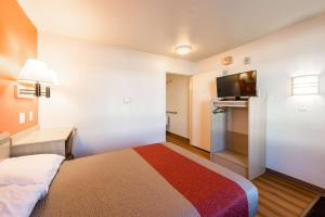 Motel 6 Reno West, Hotely  Reno - big - 14