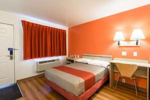 Motel 6 Reno West, Hotely  Reno - big - 15