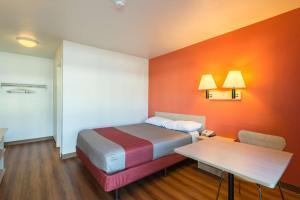 Motel 6 Reno West, Hotely  Reno - big - 16