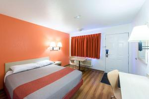 Motel 6 Reno West, Hotely  Reno - big - 18